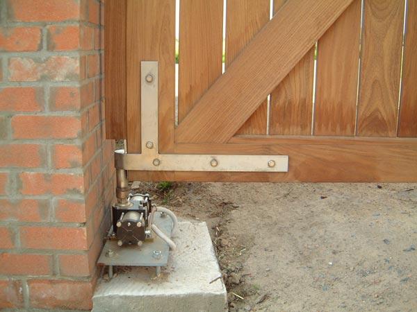 elektrische ijzeren poort